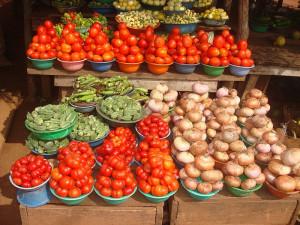 2002-2012/ Dix ans après la crise en Côte d'Ivoire / Le coût de la vie insupportable    denrées-alimentaires-300x225